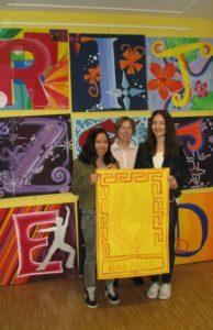 Unsere Preisträgerinnen mit Frau Mentjes